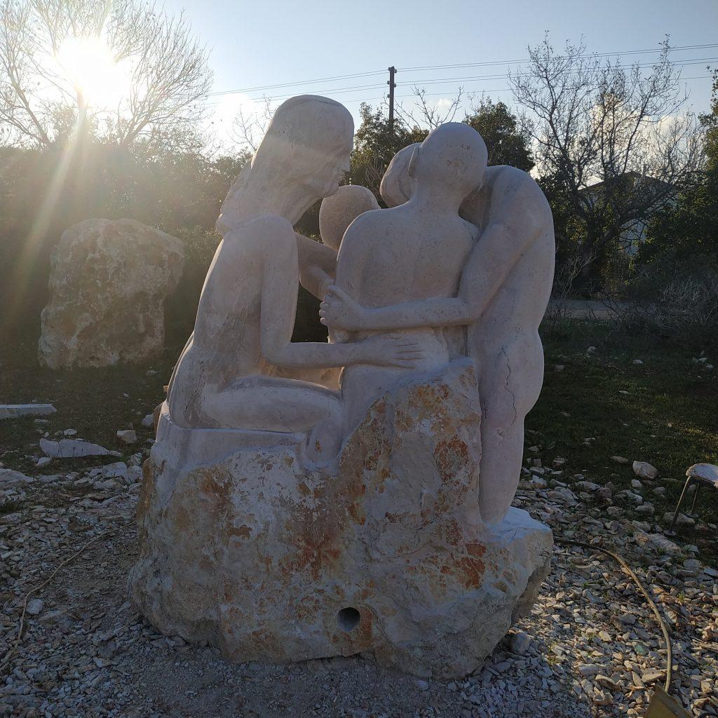 תמונה של פסלים